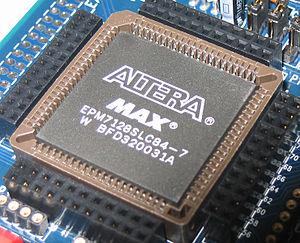 300px-Altera_MAX_7128_2500_gate_CPLD